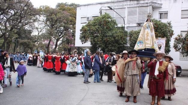 """""""Marcha Peregrina Gaucha"""" en honor a la Virgen de la Merced"""