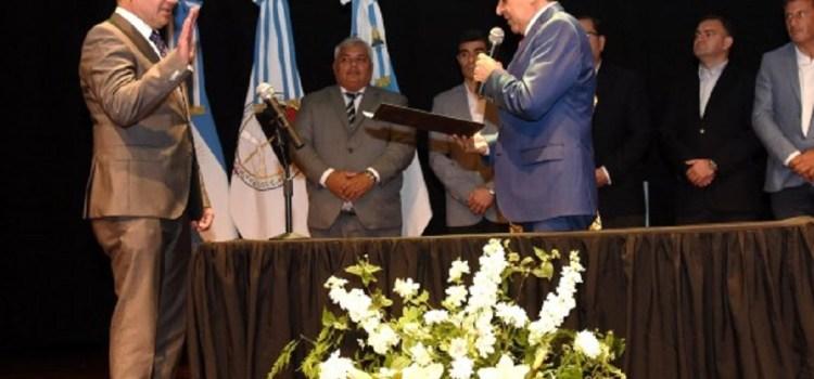 Alfaro puso en funciones a su nuevo gabinete