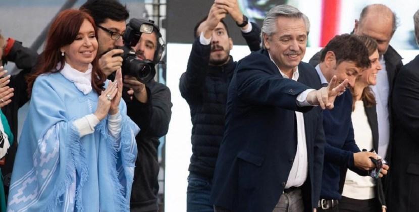 Para Alberto Fernández, el cepo al dólar y el recargo del 30% continuarán por largo tiempo