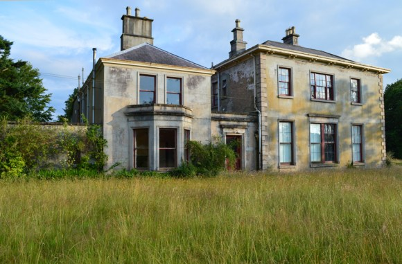 Crevenagh House Lawn © Lavender's Blue Stuart Blakley