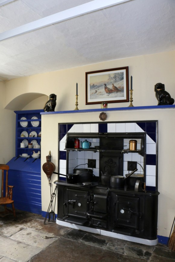 Holy Hill House Kitchen © Lavender's Blue Stuart Blakley
