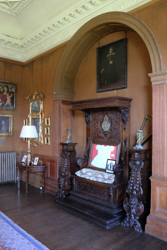 Castle Leslie Drawing Room © Lavender's Blue Stuart Blakley_edited-2