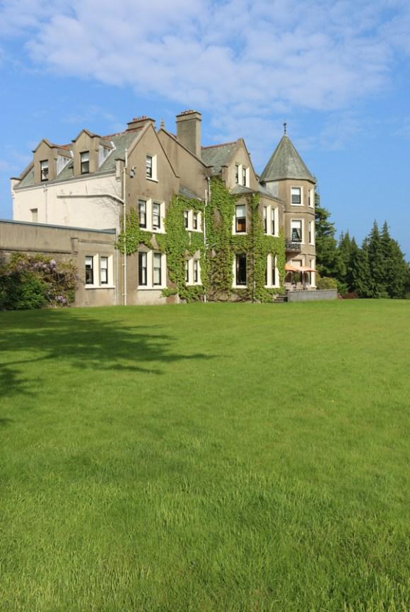 Enniskeen Hotel Newcastle Garden Front © Lavender's Blue Stuart Blakley