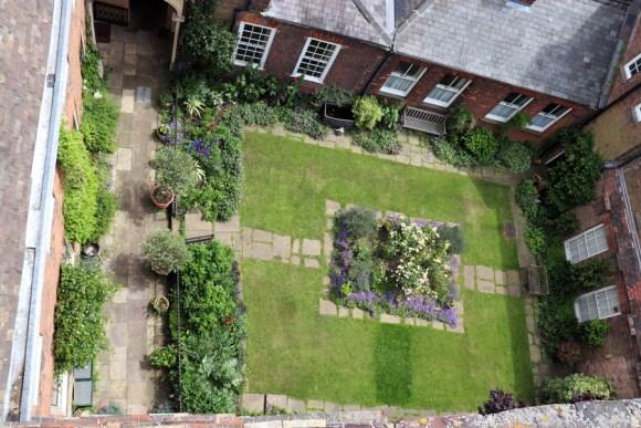 Clifton House King's Lynn Garden © Lavender's Blue Stuart Blakley