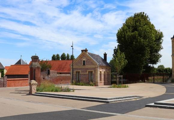 Frethun Mairie Landscaping © Lavender's Blue Stuart Blakley