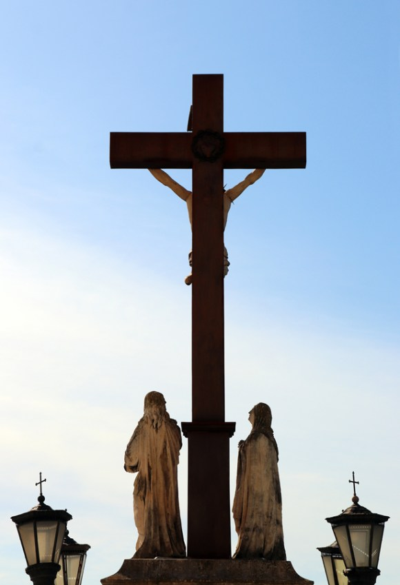 Crucifix Papal Palace Avignon © Lavender's Blue Stuart Blakley