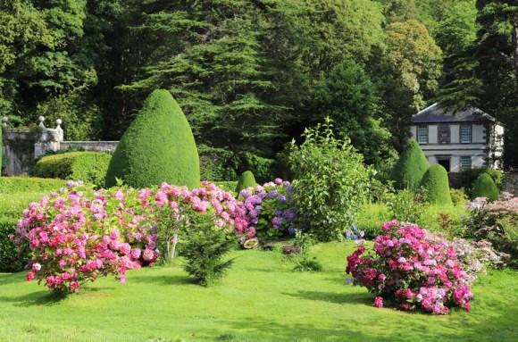 Dunrobin Castle Flowerbeds © Lavender's Blue Stuart Blakley
