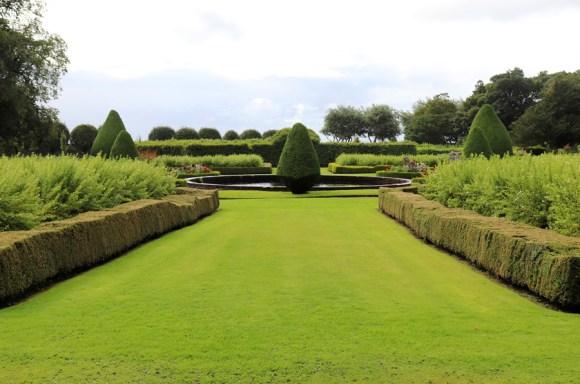Dunrobin Castle Lawn © Lavender's Blue Stuart Blakley