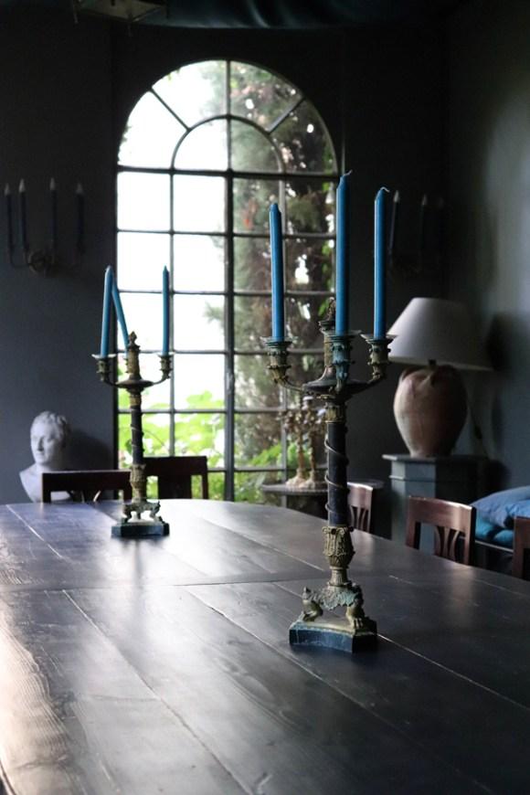 Pavilion Table La Divine Comedie Avignon © Lavender's Blue Stuart Blakley