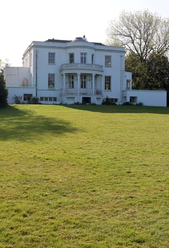 Belair House West Dulwich London Garden Front © Lavender's Blue Stuart Blakley
