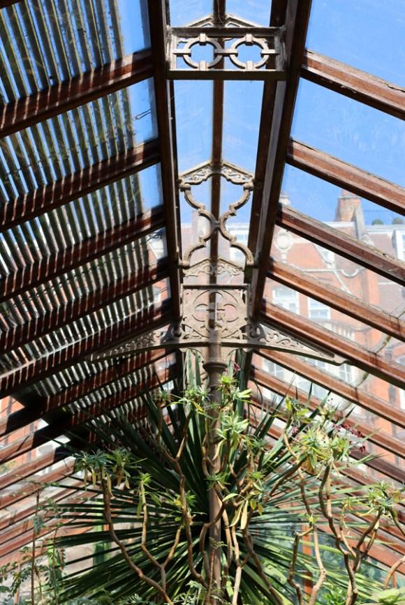 Glasshouse Roof Chelsea Physic Garden London © Lavender's Blue Stuart Blakley