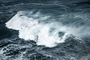 Feel-Good Fractals: From Ocean Waves to Jackson Pollock's Art