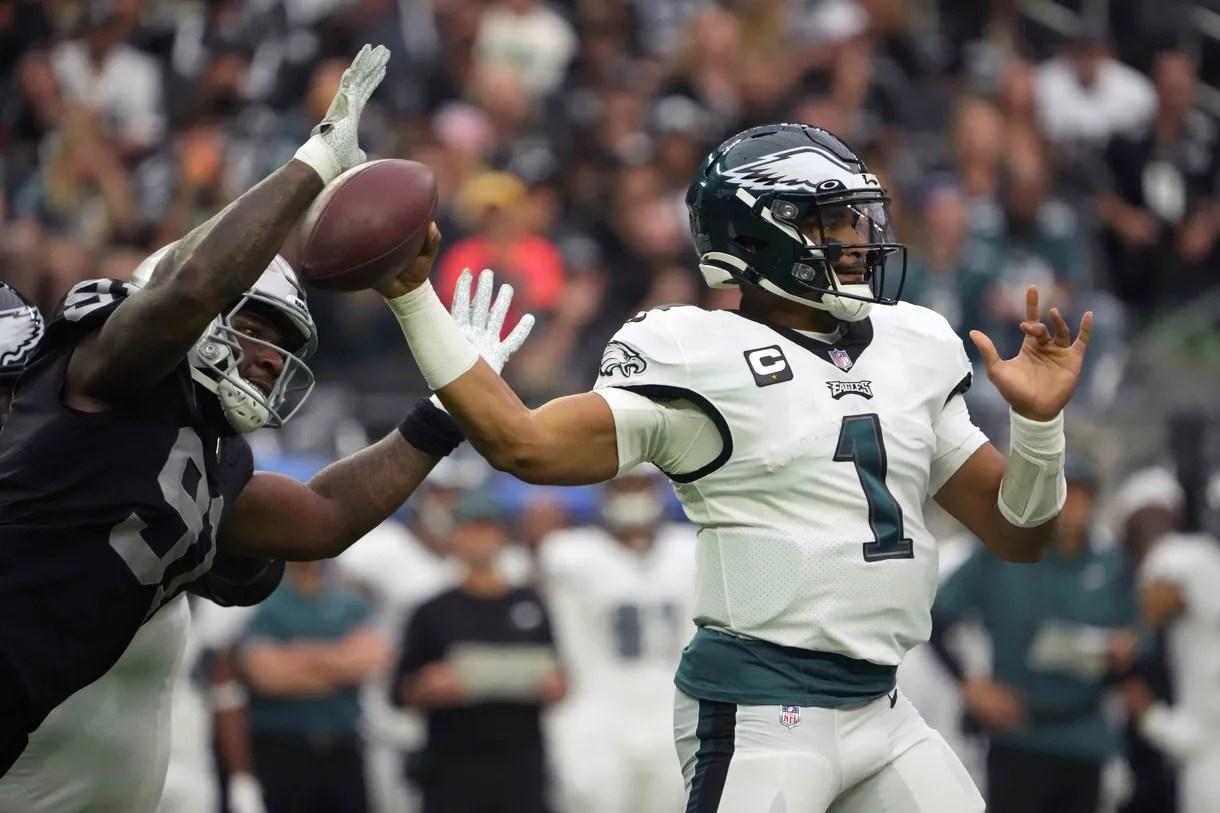 Week 7 Recap: Raiders take over, defeat Eagles 33-22