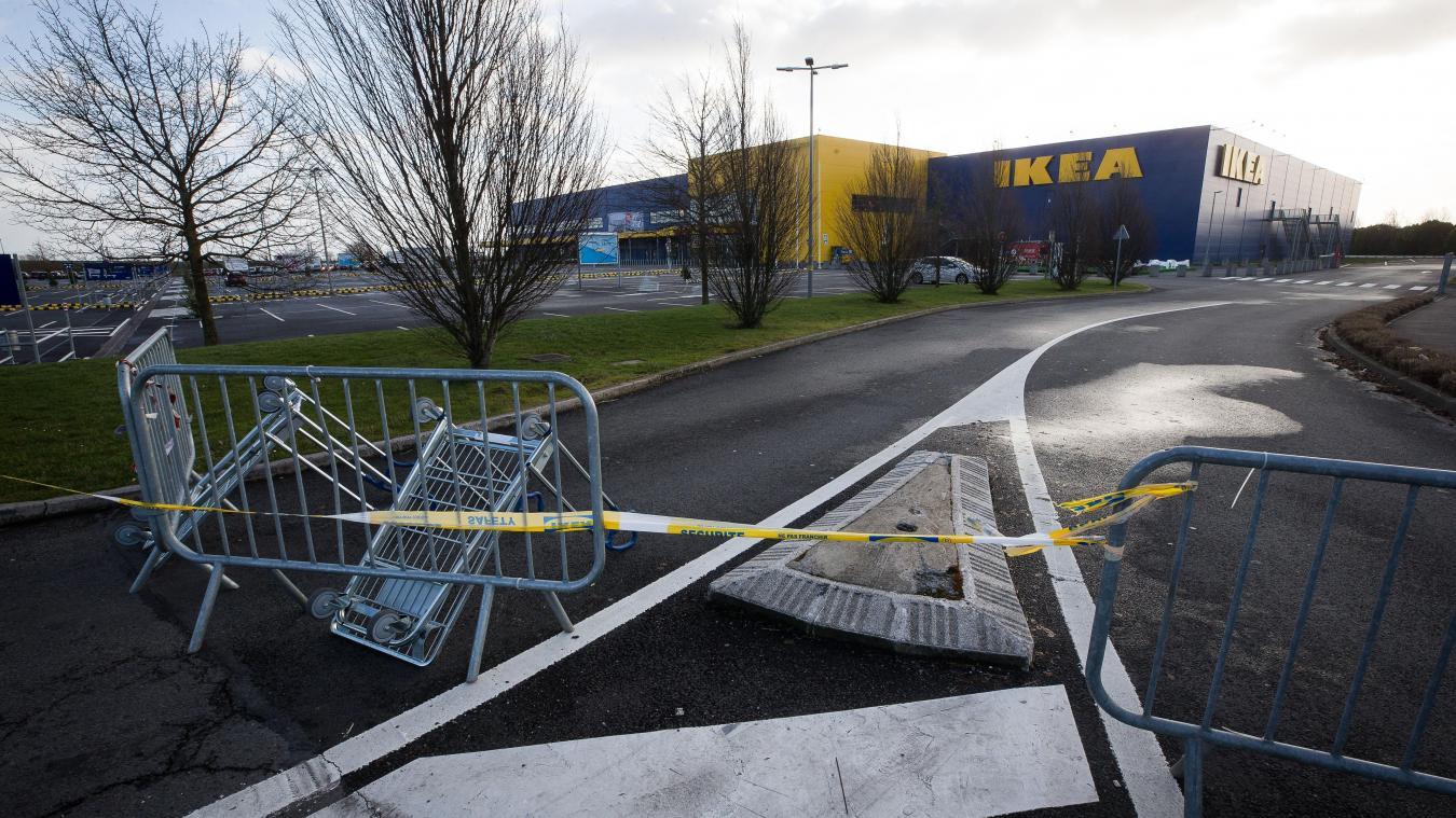 Tempête Eleanor La Façade Tremble Sous Le Vent Ikea Hénin