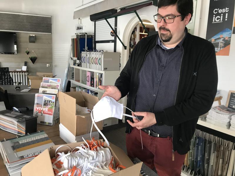 dunkerque le fabricant de rideaux et de stores offre des masques cousus dans son atelier