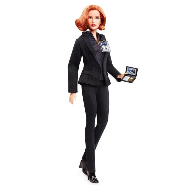 barbie - Des nouvelles Barbie pour les 25 ans de The X-Files Barbie Scully 2018 3