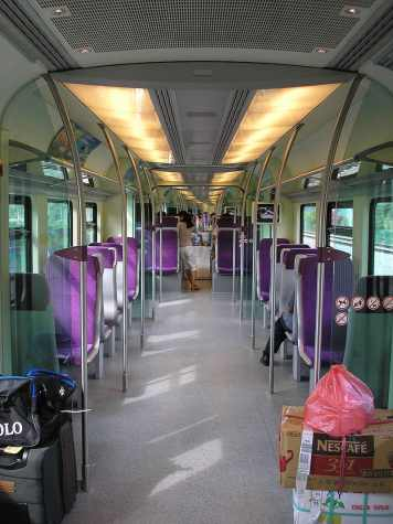 800px-KLIA_Transit_(train_interior)