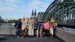 In Deutz. Gleich geht es über die Hohenzollernbrücke. Aber erst noch ein Foto.