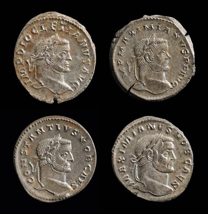 Die vier Münzen mit den Tetrarchen. Foto: Jürgen Vogel, LVR-LandesMuseum Bonn