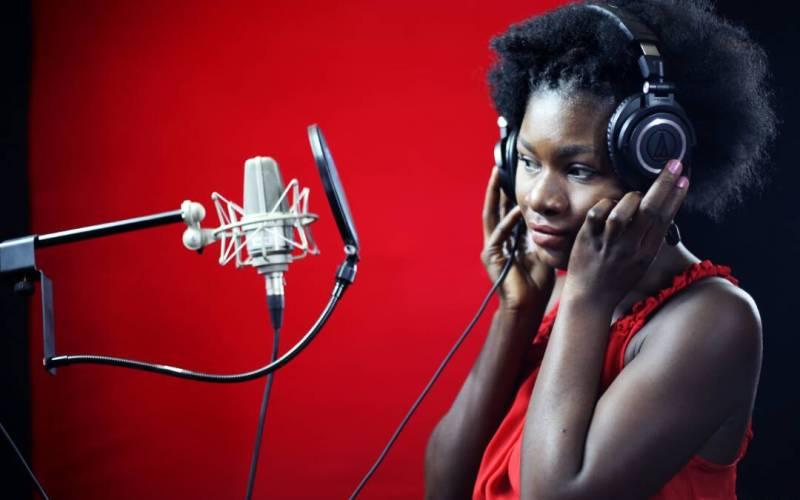 IMG 20170522 WA0060 RDC: Voldie Mapenzi Fait Renaître Le Poète Lutumba Simaro