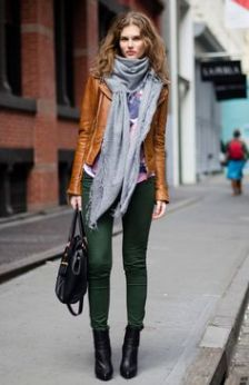 Green jeans + cognac leather