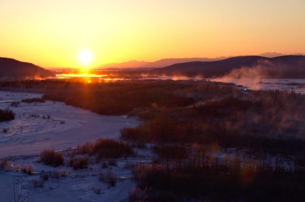 Sunrise over the Tanana - Along the Richardson Highway north of Delta Junction. We were on our way from Fairbanks to the Delta Mountains - Eastern Alaska Range.