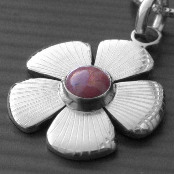 Daisy Gemstone Necklace