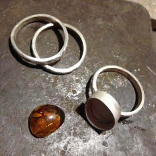 amber-ring-workshop1