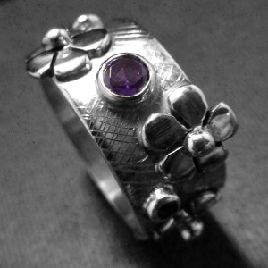 Amethysr Ring with Flowers