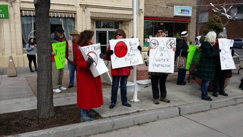 Demonstrating against LNG pipeline