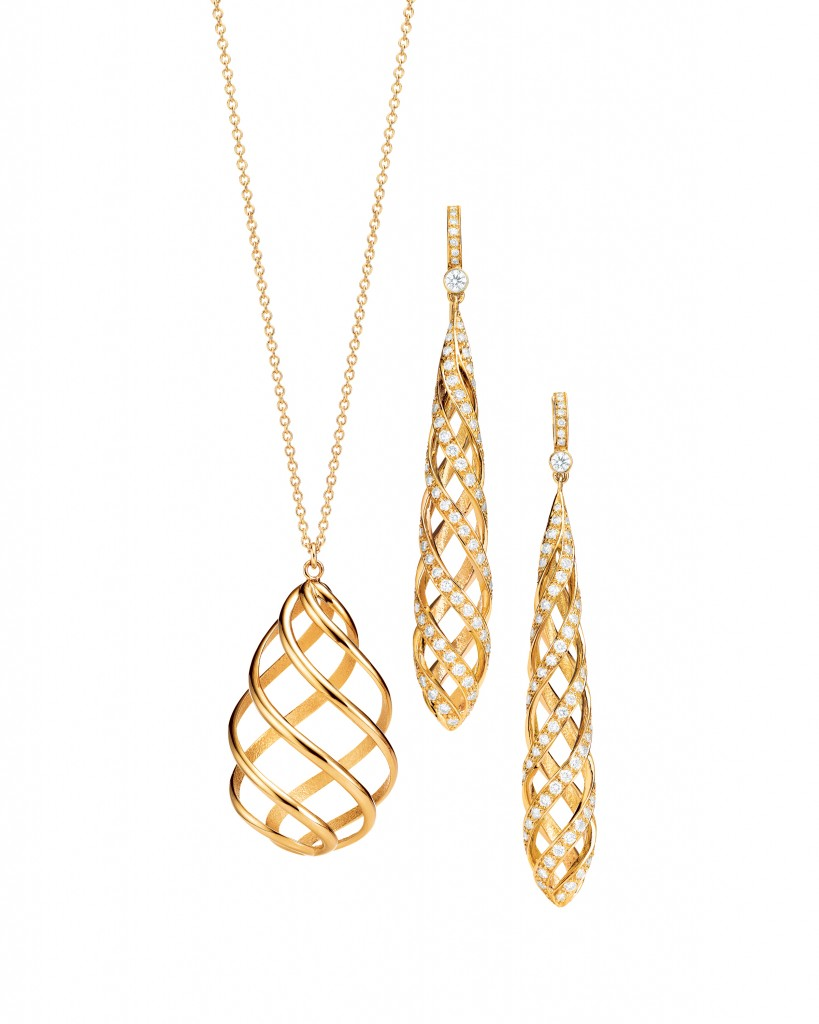 Palomas Luce Pendant and Earrings