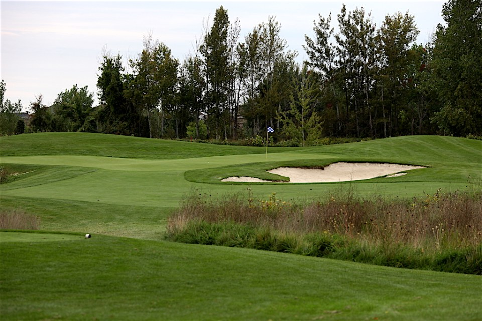 2017-lincoln-mkz-ottawa-luxury-the-marshes-golf-course-2