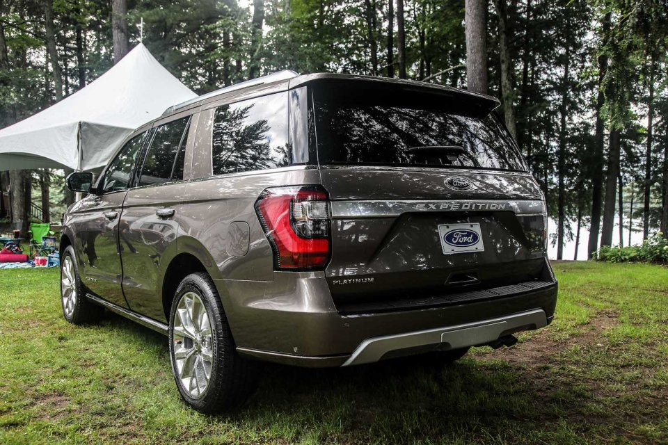 ford expedition muskoka trip 2017 back