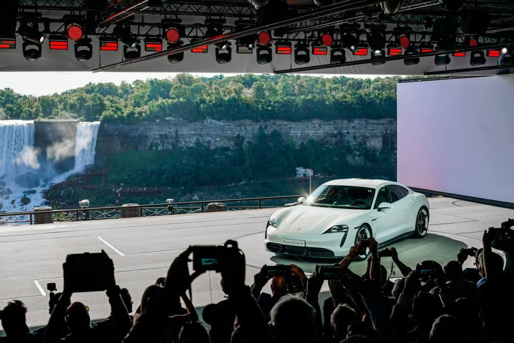 2020-Porsche-Taycan-Turbo-S-2