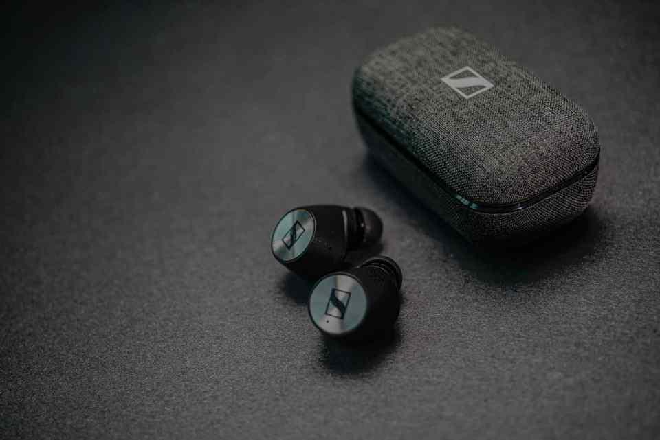 sennheiser momentum true wireless 2 earbuds 2020 lxry 2