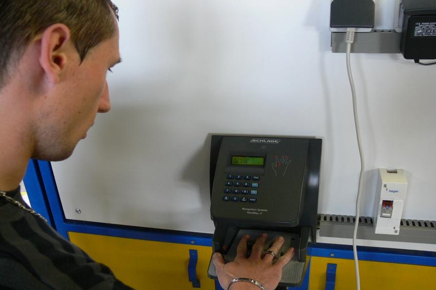 Installation de systèmes de contrôle d'accès biométrique