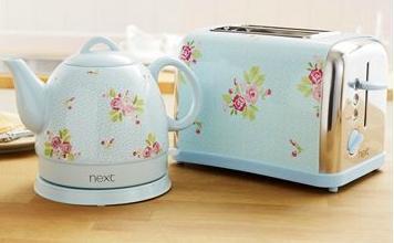 Floral kitchen appliances