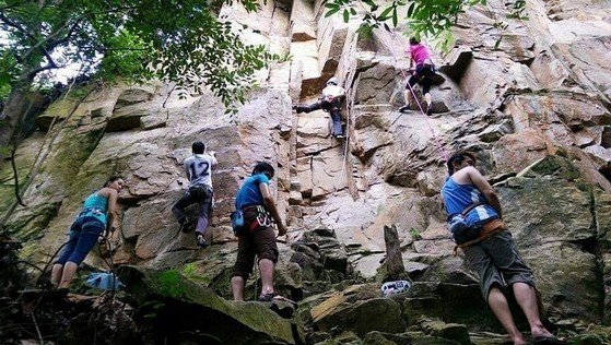 asia outdoor rock climbing destinations - Outdoor Natural Rock Climbing at Dairyfarm Singapore