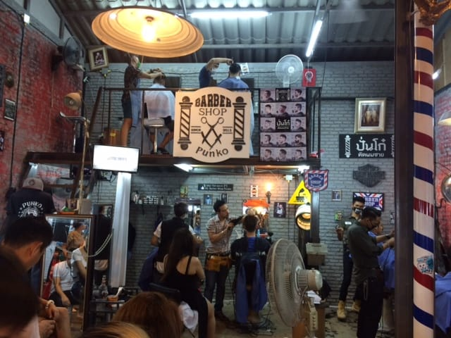 Visited Khaosan Market at night to enjoy some good food, shopping and live music. Perfect place to hang out for a beer or 2.