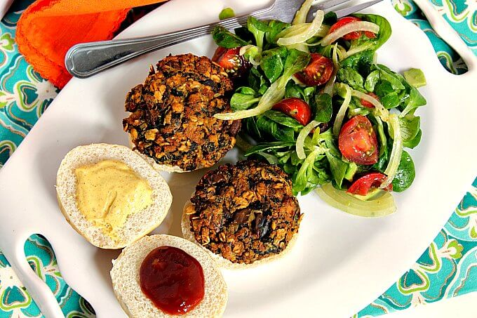 Pantry Dinner: Spinach Tofu Burgers