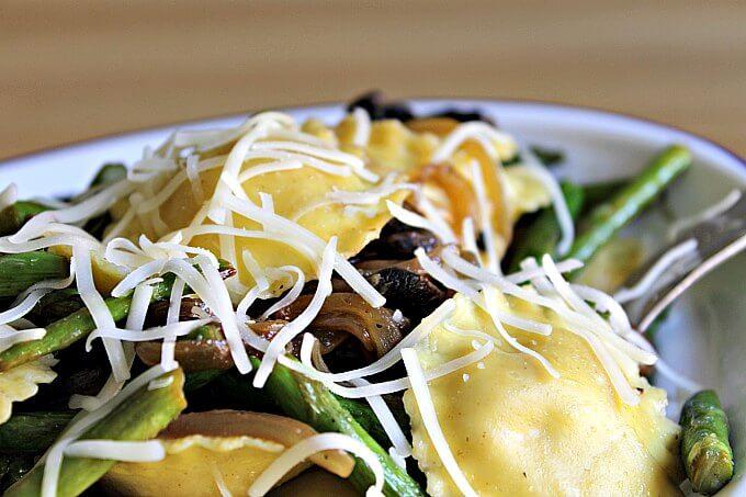 Pantry Dinner: Lemony Ravioli and Asparagus