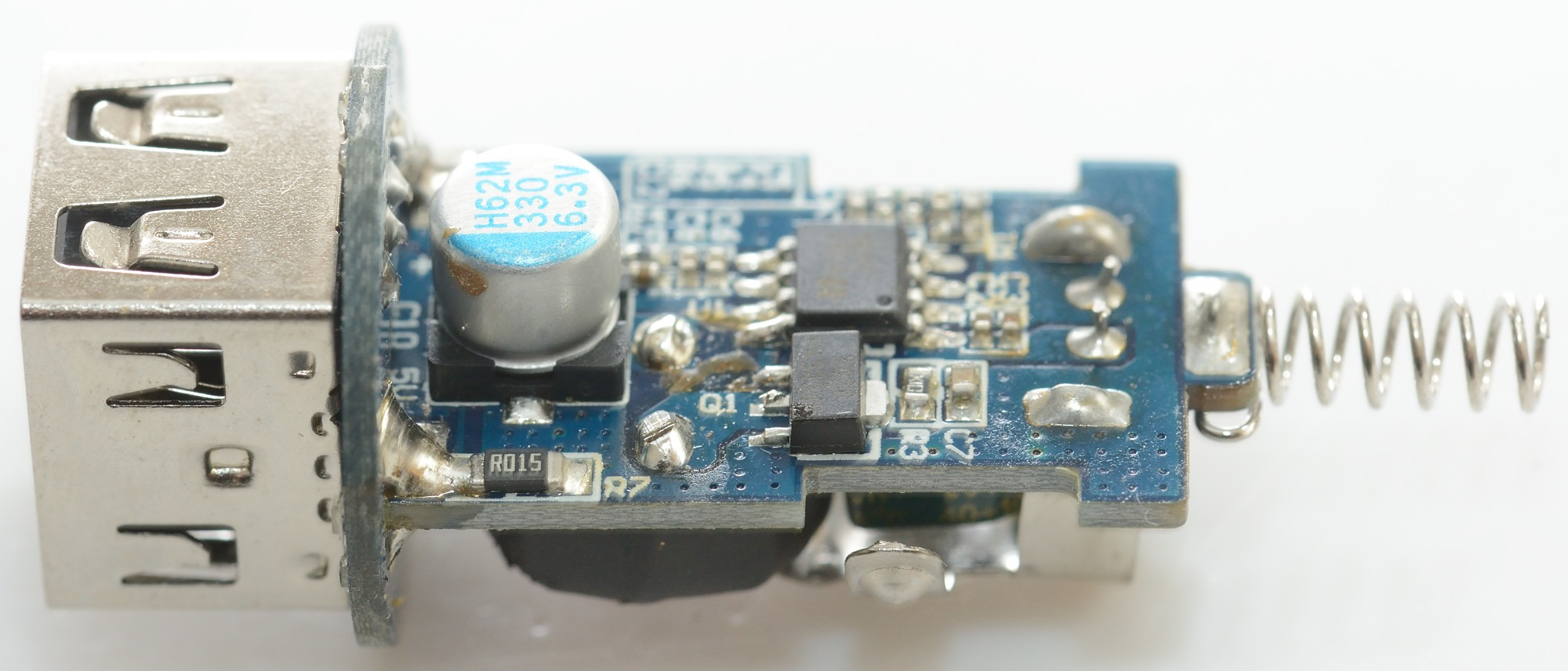 hight resolution of on the round circuit board is a small ic this is the chip for automatic coding of the usb outputs