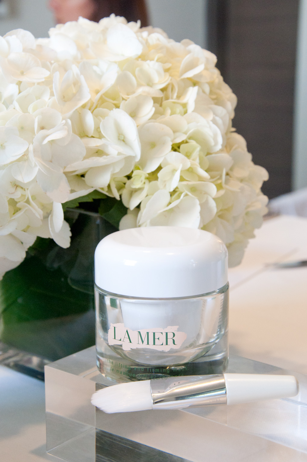 Lyla_Loves_Fashion_La_Mer_Lifting_Contour_Serum_review_5498