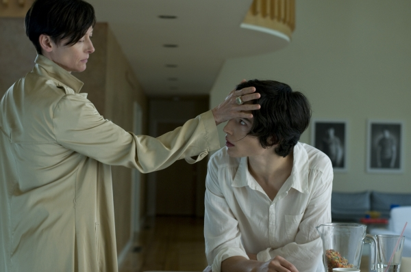we-need-to-talk-about-kevin-movie-tilda-swinton-ezra-miller