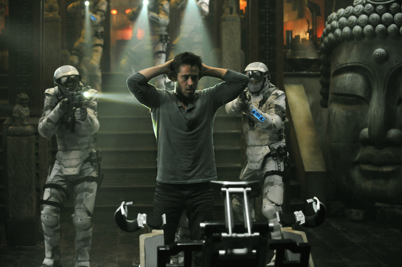 total recall review -colin-farrells-quaid-is-caught-in-total-recall