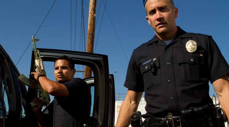 end-of-watch-michael-pena-and-jake-gyllenhaal-armed-up