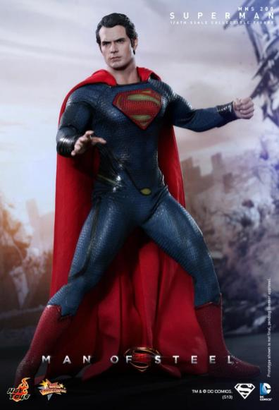 Hot Toys Man of Steel Superman ready for action