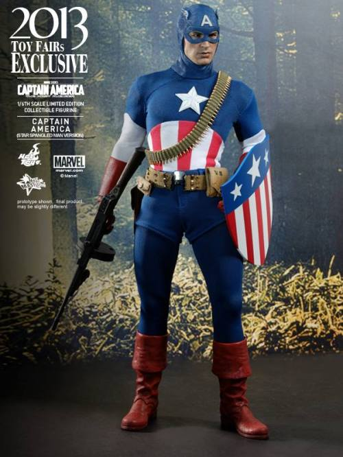 Hot Toys Captain America Star Spangled Man with gun and shield