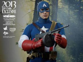 Hot Toys Captain America Star Spangled Man with gun