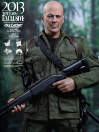 Hot Toys GI Joe Retaliation Joe Colton closer on gun